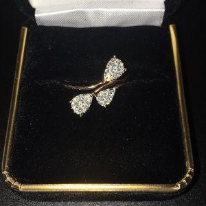 Helzberg 10K rose gold ring with 24 diamonds